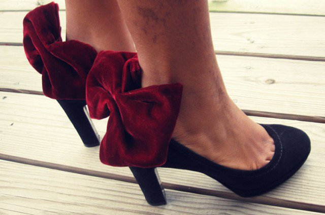 Red Bow Heels