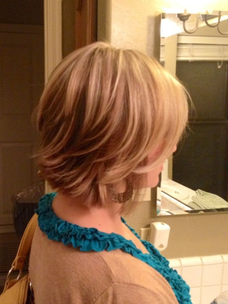 Short Layered Hairstyle for Blond Hair