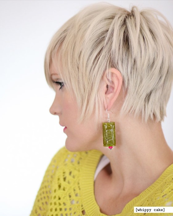 Chic Blond Straight Pixie Hairstyle