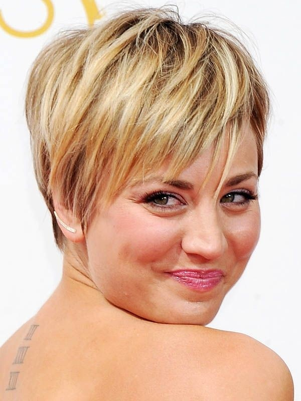 Short hairstyles for thin hair and chubby face : Pretty short layered hairstyles for women