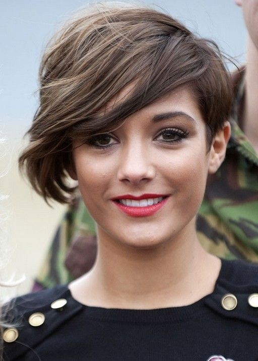 Short Wavy Haircut With Side Bangs