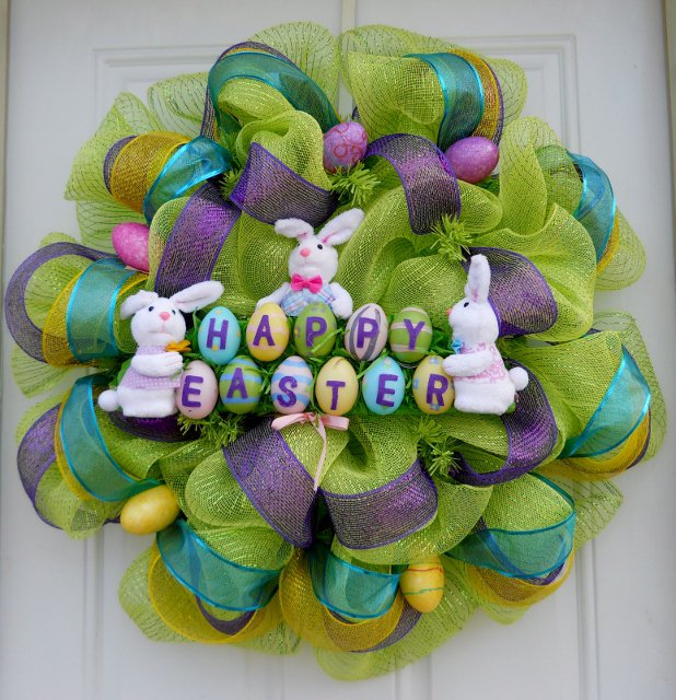 Green Wreath with Easter Eggs