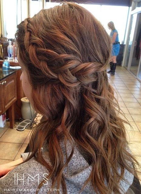 20 Pretty Layered Hairstyles for Medium Hair - Pretty Designs