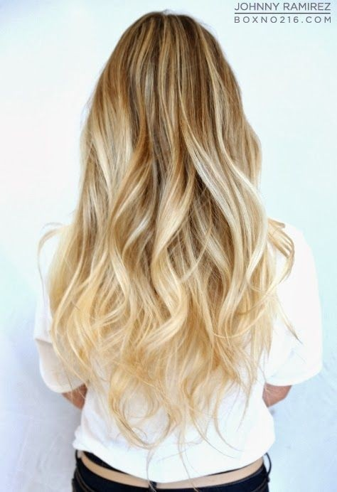 Long Wavy Hairstyle for Blond Hair