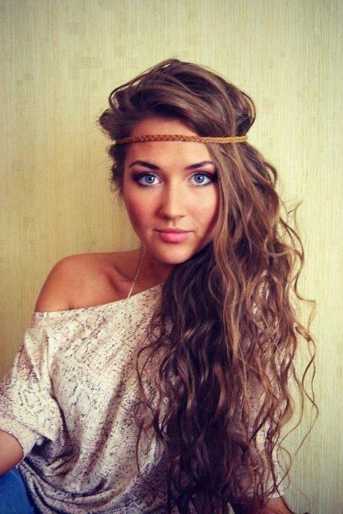 Long Wavy Hairstyle with Headband
