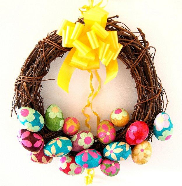Pretty Easter Egg Wreath