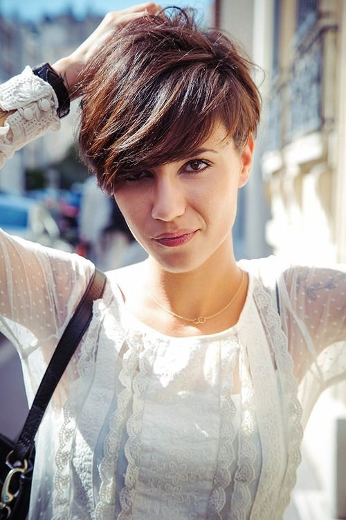 fabulous short hairstyles for long face pretty designs