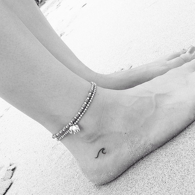 40 cute tiny tattoo ideas for girls tattoo inspirations for Minimal art tattoo