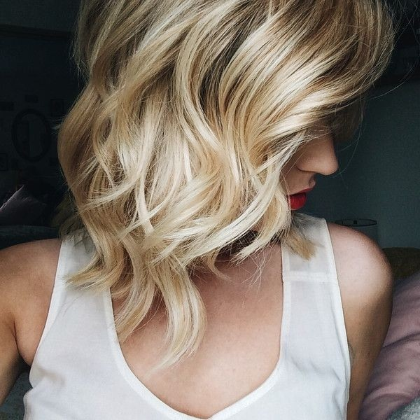 Blond Wavy Hairstyle for Shoulder Length Hair