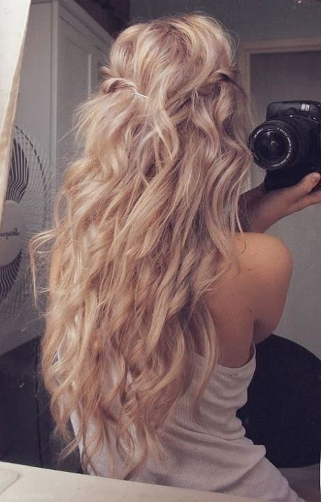 Loose Curly Hairstyle for Long Hair
