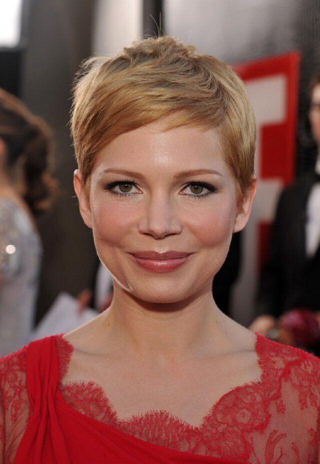 Michelle Williams Short Pixie Haircut