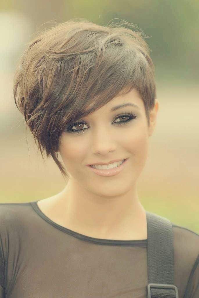 30 einfache einfache Haarschnitte für Mädchen