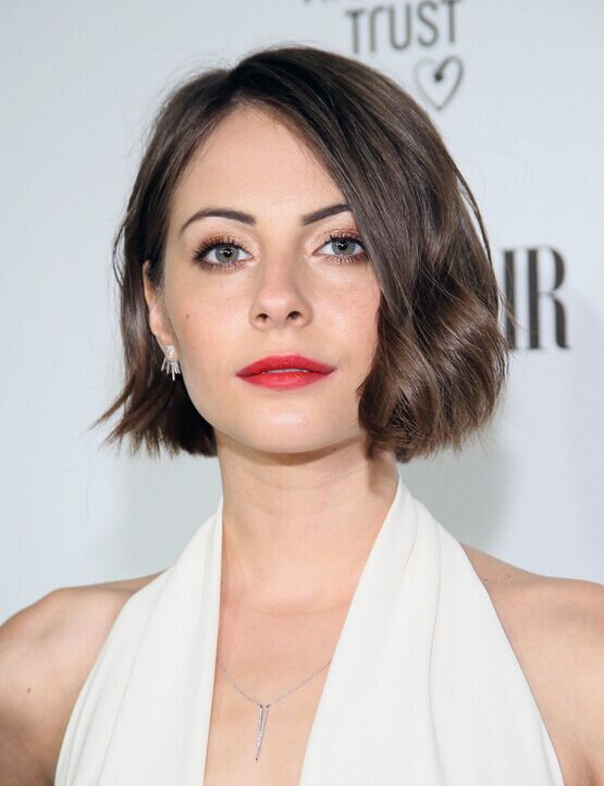 Willa Holland Short Wavy Bob Hairstyle