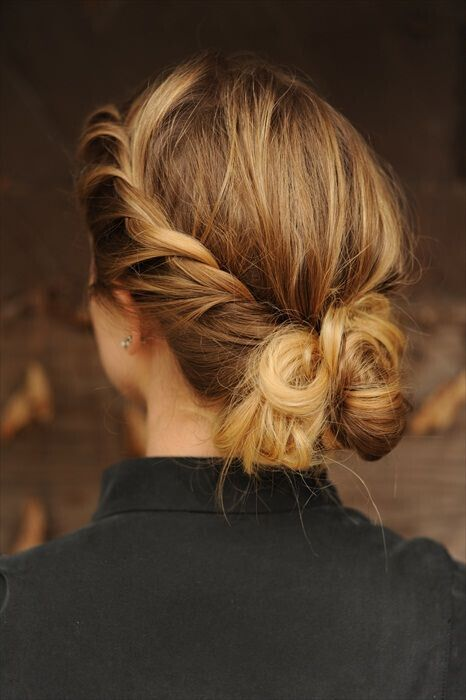 Easy Updo Hairstyle for Mid-lenght Hair
