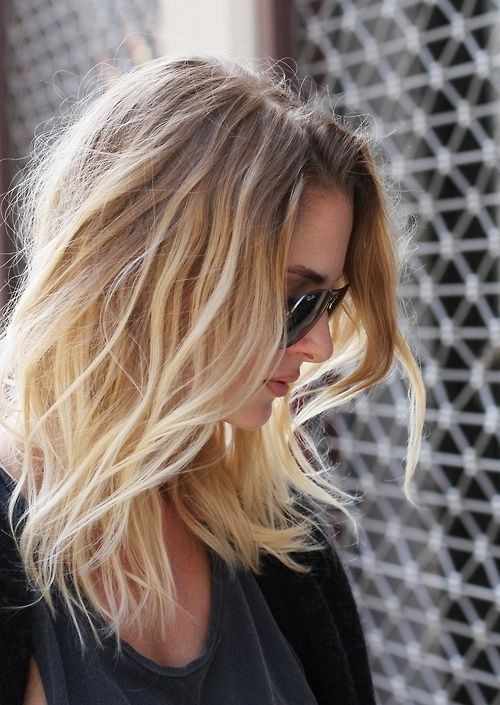 Medium Layered Hairstyle for Blond Ombre Hair