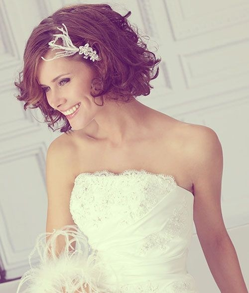 16 Great Bridesmaid Hairstyles For Women