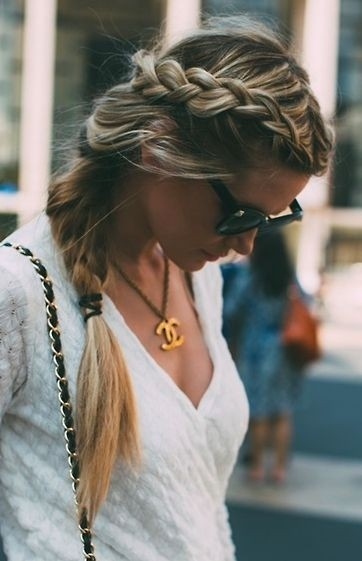 Perfect Side Braid Hairstyle for Fall and Winter
