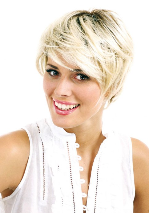 Short Blond Hairstyle for Thick Hair