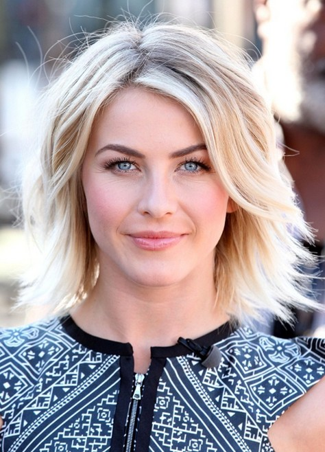 Julianne Hough Short Layered Haircut