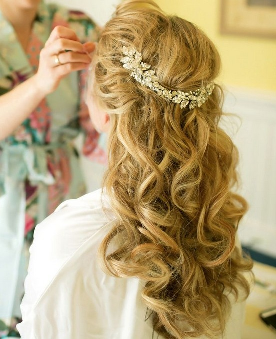 Wedding Hairstyle For Natural Curly Hair: 36 Breath-Taking Wedding Hairstyles For Women
