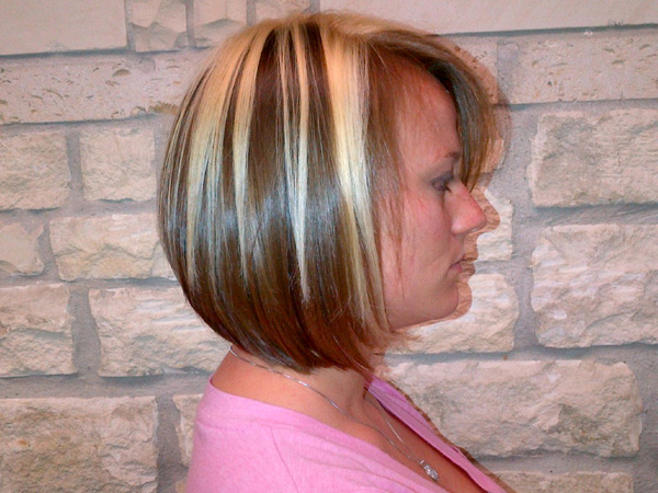 Short Bob Hairstyle for Two-Tone Hair