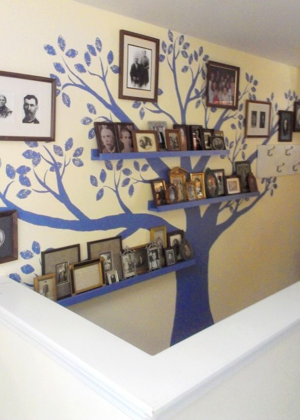 15 ideas to display your family photos at home pretty for Diy family tree wall mural