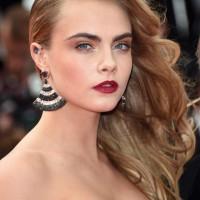 Cara Delevingne Glamorous Side Swept Hairstyle