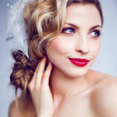 Glamorous Bridal Makeup Idea
