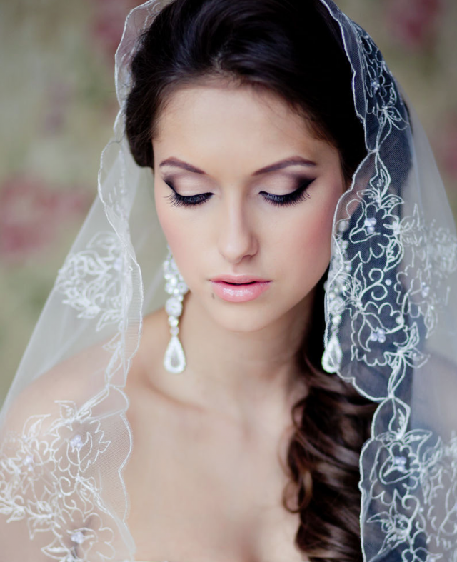 Glossy Lips for Bridal Makeup Ideas