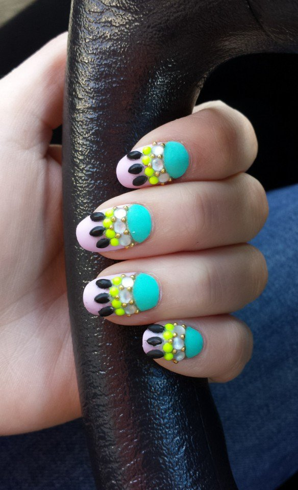 Green and Yellow Nail Art Design
