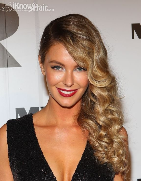 16 Trendy Celebrity Approved Sideswept Hairstyles Pretty Designs