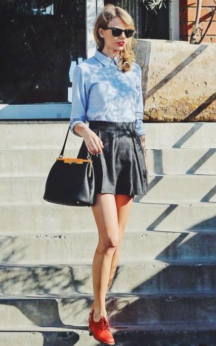 Schoolgirl-look leather skirt