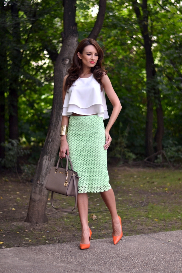7c8263291b 18 Great Outfit Looks with Skirts - Pretty Designs