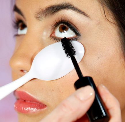 How to Apply Mascara: 10 Tips