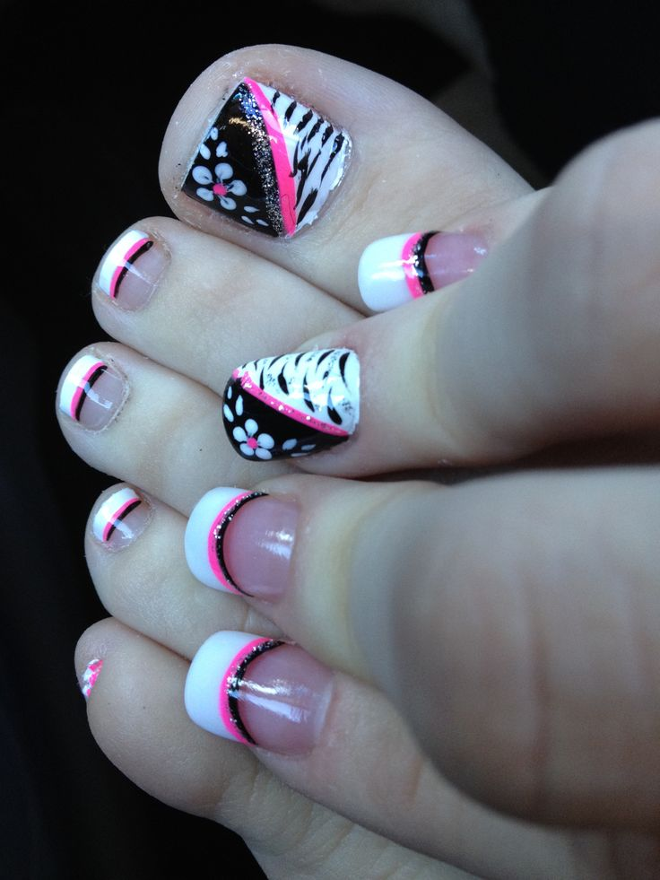 15 Easy Nail Art for Toes - Pretty Designs