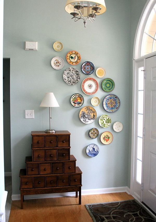 Eye-catching Plate Walls