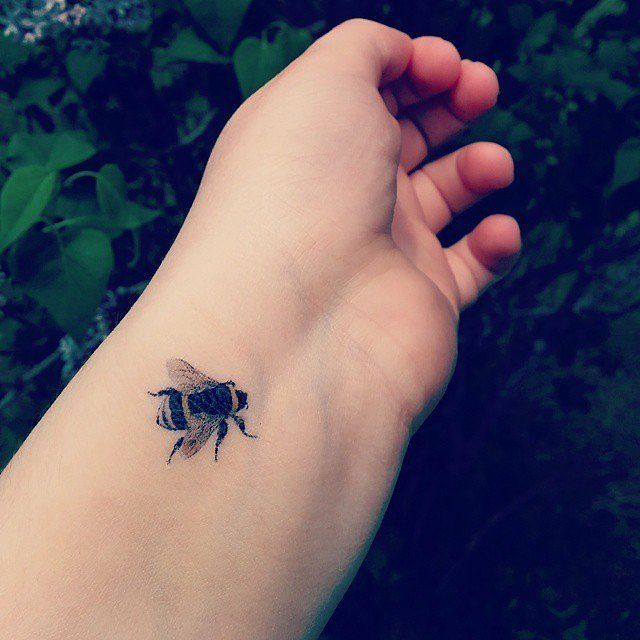 20 Cute Tiny Tattoo Ideas for Girls