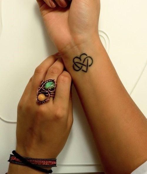 20 einfache Tattoos für Frauen