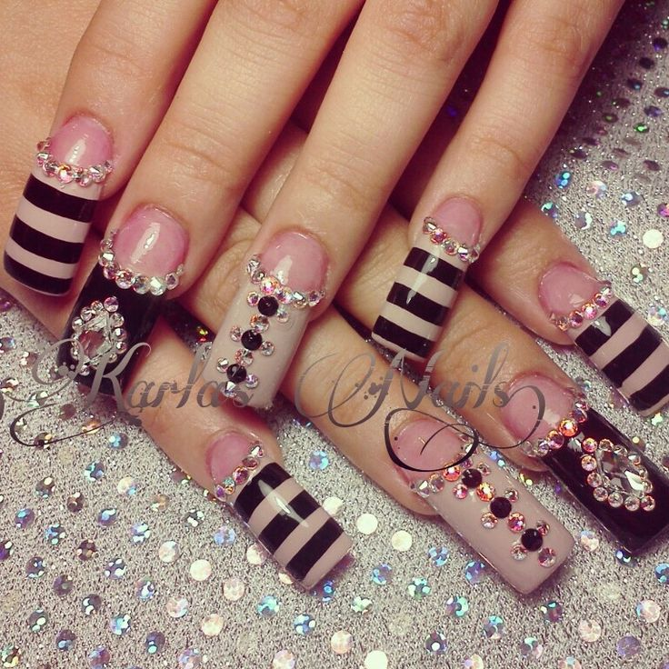 21 beautiful nail designs for long nails 2018 pretty designs bling nail design for long nails prinsesfo Gallery