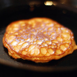 Cinnamon and Coconut Flour Pancakes