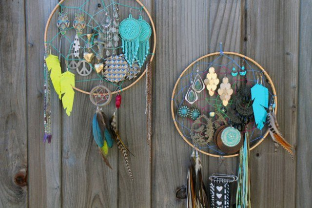 DIY Dream-Catcher Jewelry Organizer