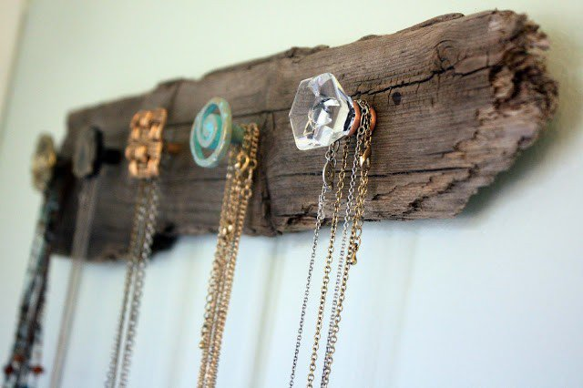 DIY Wooden Rack Necklace Holder