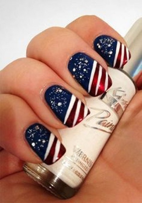 14 Amazing American Flag Inspired Nails - Pretty Designs