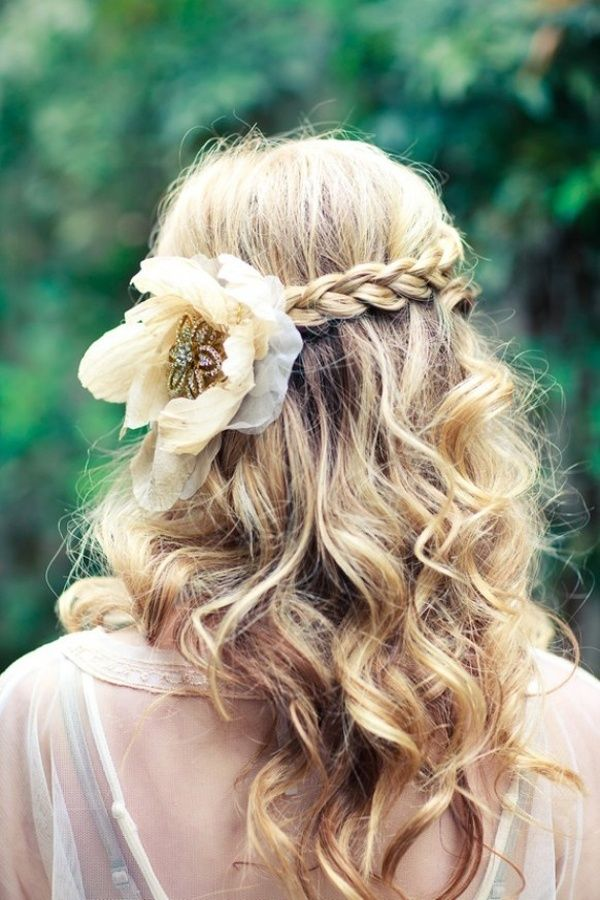Bridal Hair Down With Flowers : Stunning half up down wedding hairstyles for