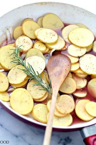 One-Pot Lemon Chicken & Potatoes