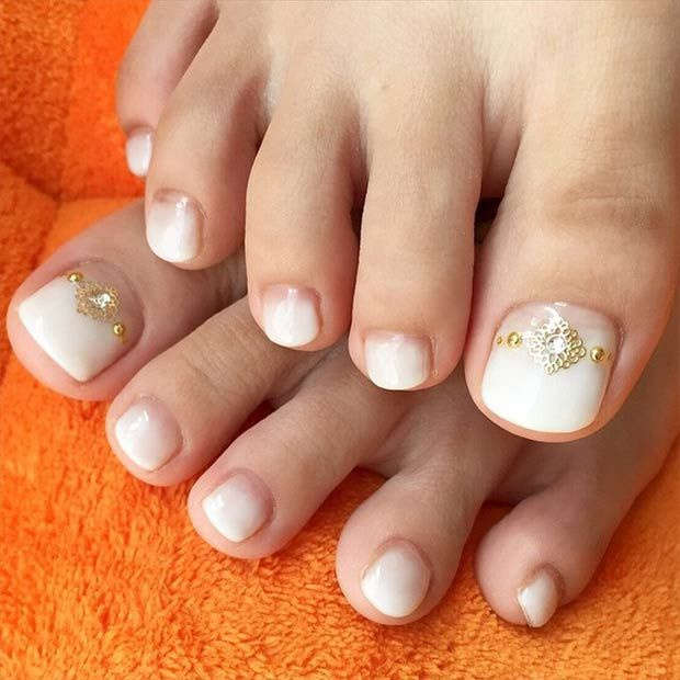 20 adorable easy toe nail designs 2017 pretty simple toenail art white toe nail design prinsesfo Choice Image