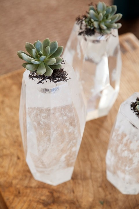 20 Ideas to Decorate Desks with Succulent