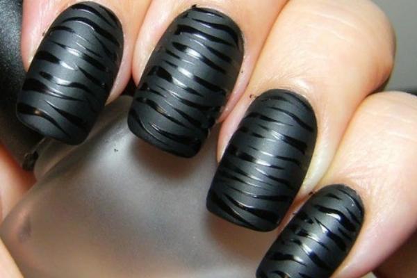 Black Tiger Print Nails