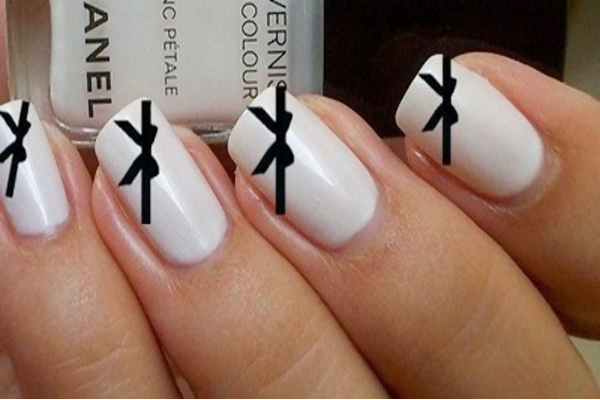 Black And White Bow Nails