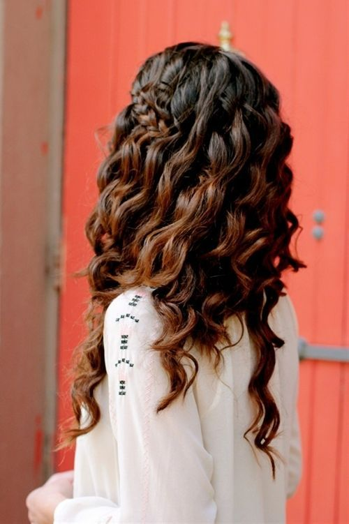 Boho-Chic Hairstyle for Curly Hair